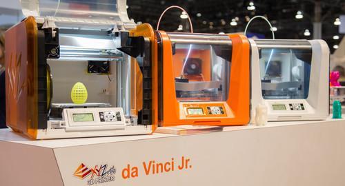 The new da Vinci Junior 1.0 3D printer comes in three colors.