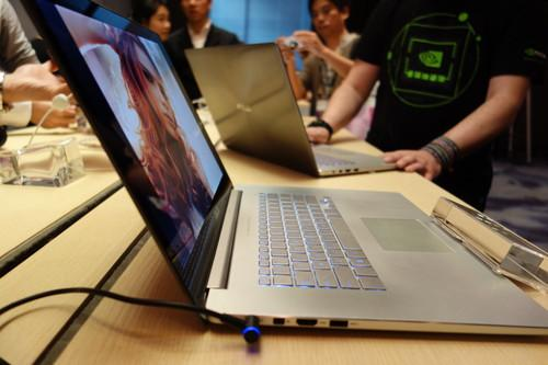 Side view of the Asus Zenbook NX500.