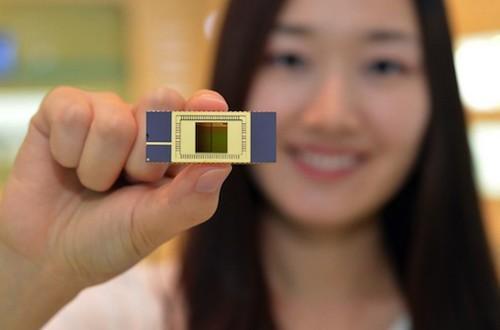 Samsung's new V-NAND 3D flash memory wafer