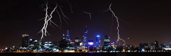 The Perth storms overnight. <i>Credit: Paul Pichugin, [[xref:http://blaquestudios.com.au|Blaque Studios]]