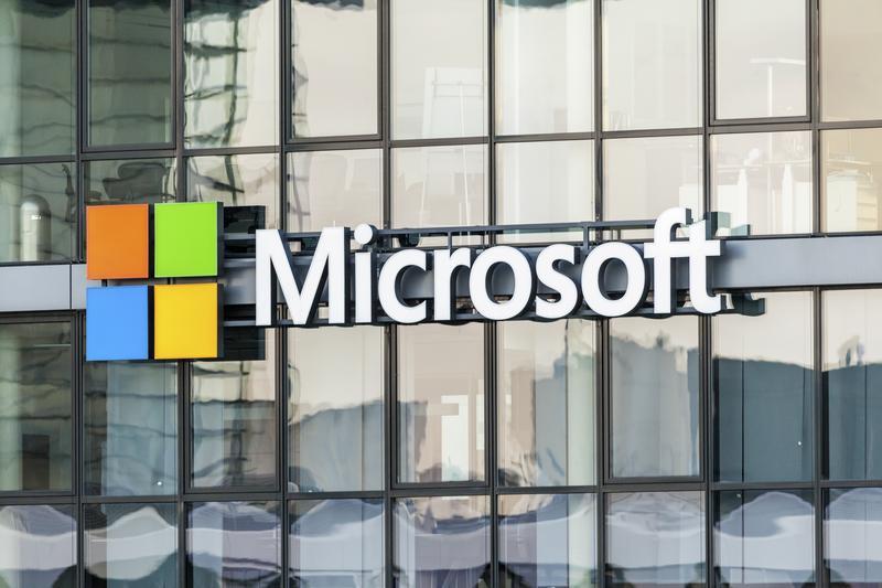 Microsoft Teams takes fight to Slack with freemium model - Computerworld