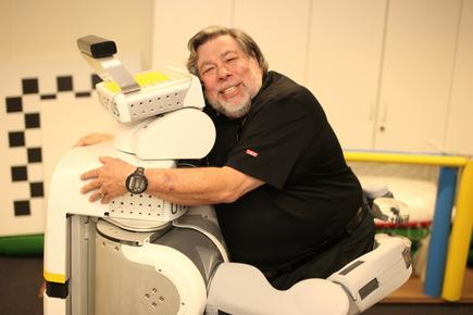 Steve 'The Woz' Wozniak with UTS' PR2 robot