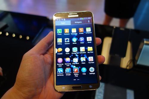 The Samsung Galaxy Round.