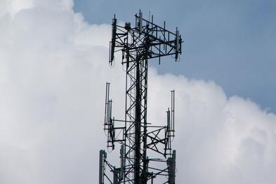 5G talk heats up, but launch still far off